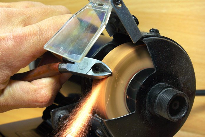 The Best Bench Grinder Reviews For Any Kind Of Multi